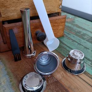 2 capsules en inox compatibles avec les machines à café Nespresso